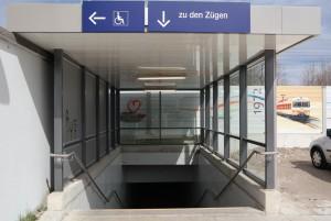 Treppenabgang am Bahnhofsparkplatz von Zorneding (Foto: Peter Pernsteiner)