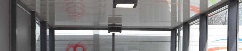 LED-Leuchten am Treppenabgang von Zorneding (Foto: Peter Pernsteiner)
